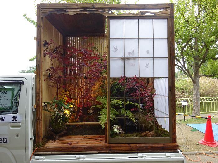 japonská záhrada s papierovými dverami Shoji